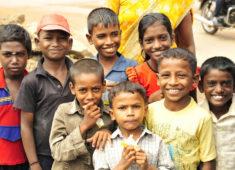 Gruppe von Straßenkindern