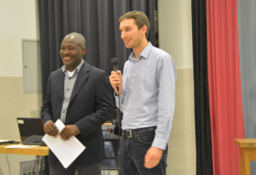 Jean-Pierre Ricot und Quentin Minsier vonEntraide et Fraternité